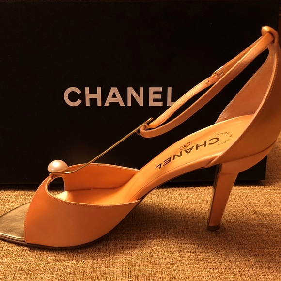 3d7411682e4 CHANEL Shoes - CHANEL Satin Heels 9